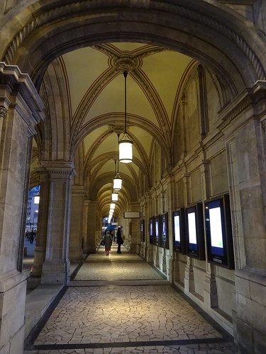Wien, 1. Bezirk (the art of very historic institutions of Vienna), Wiener Staatsoper, Ópera Estatal de Viena, L'opéra d'État de Vienne, Vienna State Opera, Opera Wiedeńska (Herbert-von-Karajan-Platz/Philharmonikerstraße)
