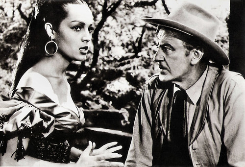 Sara Montiel and Gary Cooper in Vera Cruz (1954)