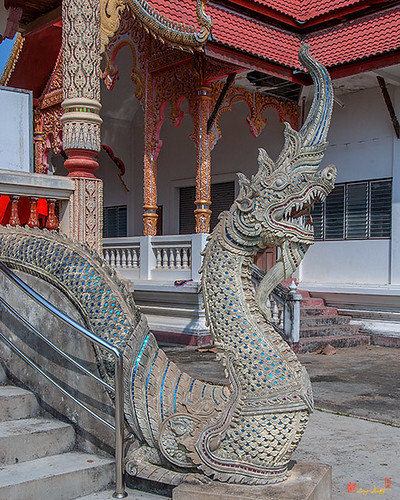 Wat Si Bun Chu Wang Hai Phra Wihan Makara and Naga Guardian (DTHLU0465)