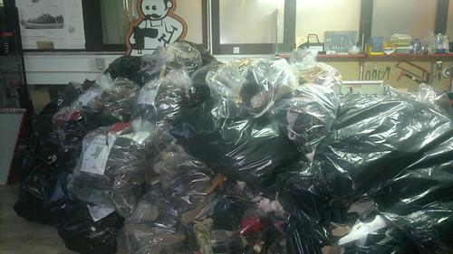 Recebemos milhares de sapatos no nosso armazém!