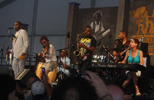 Glen David Andrews (2011) 04 - with Marcia Ball & Amanda Shaw (guests)