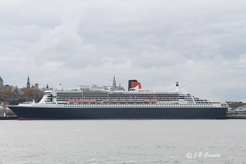 RMS QUEEN MARY 2  |  QM2  |  OCEAN LINER  |  CRUISE SHIP  |  CUNARD LINE |    VILLE  QUEBEC CITY  |  QUEBEC   |   CANADA