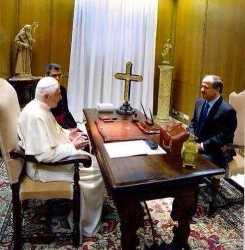 Barzanî û Papa Francisco civiyan