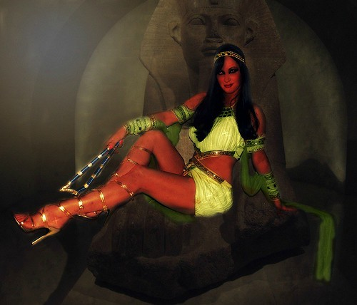 QUEEN OF THE NILE(Adventures Of CLEOPATRA)