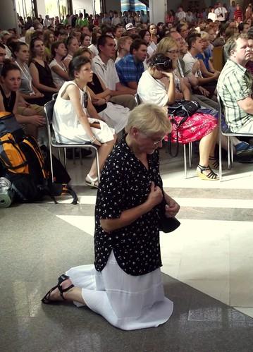 Wierni podczas uroczystej mszy św.