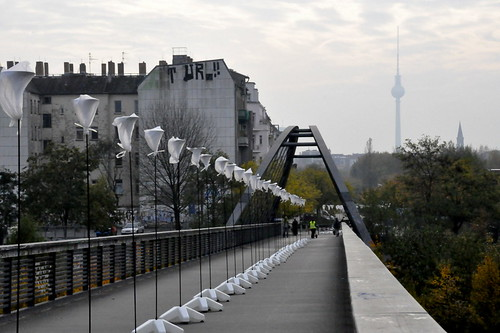 wednesday 5th november 2014 Preparation Border of Lights Berlin this weekend The Wall anniversary