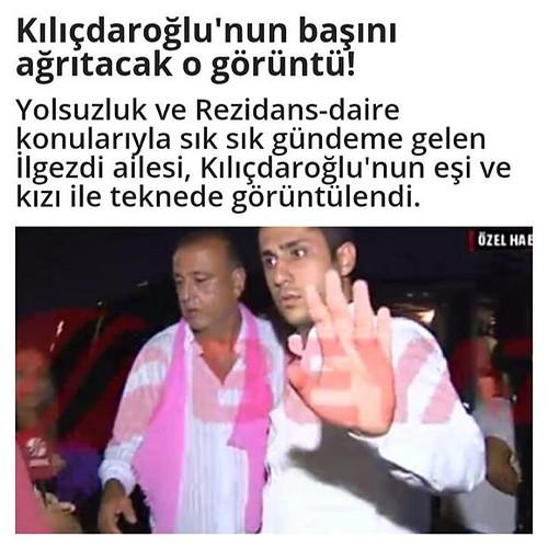 Yolsuzluk haberleriyle sık sık gündeme gelen CHP'li Ataşehir Belediye Başkanı Battal İlgezdi ve milletvekili yeminlerinde sol elini havaya kaldırarak devrimci selamıyla yemin eden daha sonra ise rezidans zengini çıkan CHP İstanbul Milletvekili Gamze Akkuş