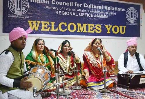 Asha Kesar and Group presenting traditional Bhakh in ICCR Jammu's Horizon Series programme at K L Saigal Hall, Abhinav Theatre Jammu.