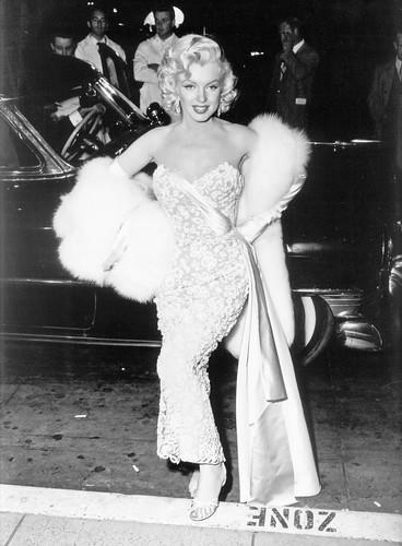 lanakapriznaya: Original Red Carpet. Marilyn Monroe. Laurence Olivier and Vivien Leigh. Sophia Loren. Elizabeth Taylor and Richard Burton. Diana Dors. Brigitte Bardot and Sacha Distel. Catherine Deneuve and David Bailey.