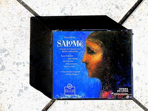 DSCN7491. Richard STRAUSS. SALOME. Version française du compositeur d'après le texte original d'Oscar Wilde. Premier enregistrement. Karen Huffstodt. Orchestre de l'Opéra de Lyon. Kent NAGANO.  VIRGIN Classics 1991.