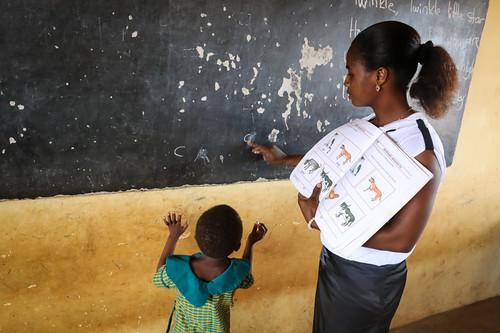 Pechi, oktober, 2015 - Hoppets Stjärna, Ghana