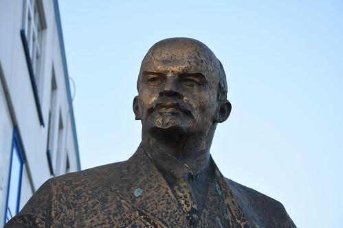 Westberlins erste Leninstatue / первый Ленин в Западном Берлине