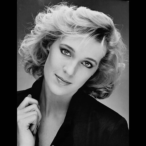 1986 ? Had To Learn Makeup For Black n White Shoot ...Buttttt What Really Makes Me Laugh (believe me there is many things in Photo) I'm Wearing Lee Press On Nails and Only A Few Stayed On, Hence Thee Amazing Awkward Hand !! Cynthia 👄 😂