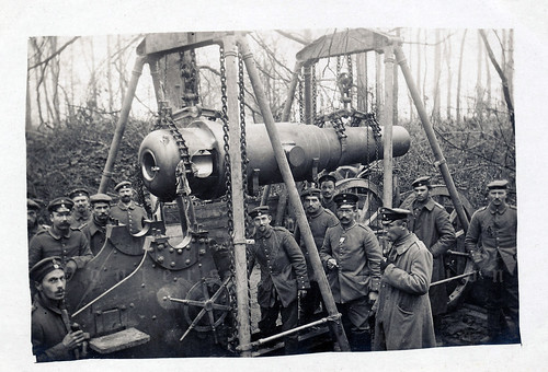 Kgl. Bayer. 1. Fußartillerie-Regt. vakant Bothmer setting up their 20 cm cannon