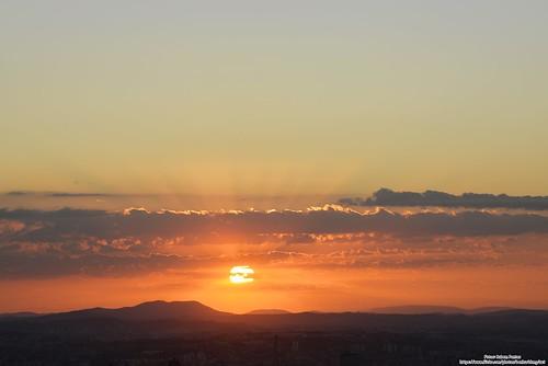 Por Do Sol e Lua Nova