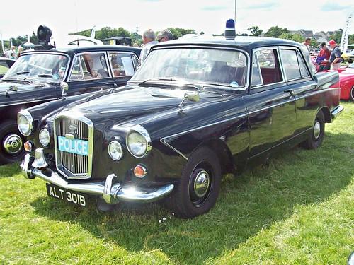 811 Wolseley 6:110 (Ser,II) (1964) - Metropolitan Police
