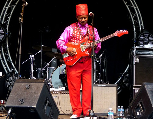 Cahors - Lil' Ed and The Blues Imperials