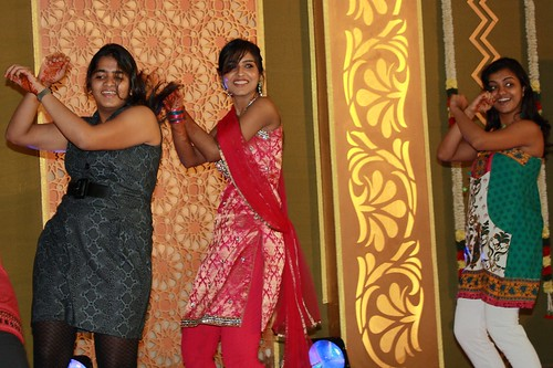 That's Sowmya in the centre, Keerthi's Sis.