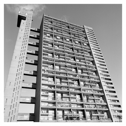 Yes King Press Shot - Trellick Tower