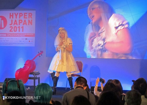 Kanon Wakeshima performing at Hyper Japan 2011