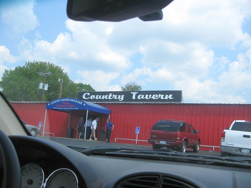 Country Tavern west of Kilgore, Texas