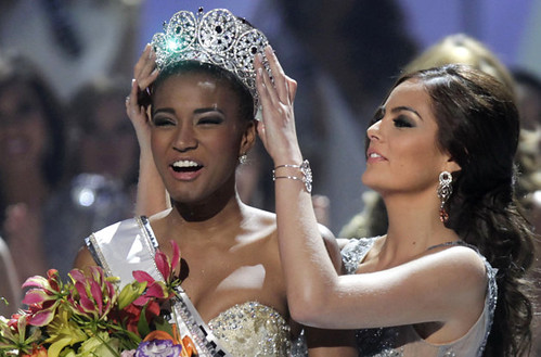 Leila Lopes of Angola is crowned Miss Universe