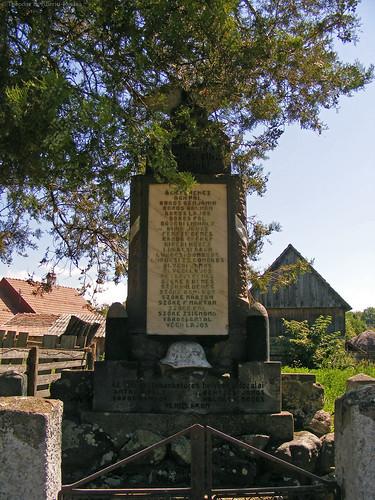 The centre: World War One Memorial