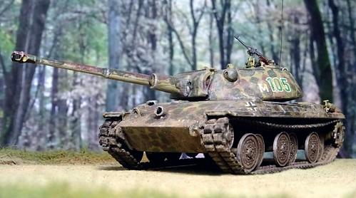 "1:72 Kampfpanzer E-25(P) ""Fuchs"" Ausf. B (SdKfz. 316/2); vehicle 'M 105', 1. Kompanie der Unabhängigen Kampfgruppe Meuther; Mönchengladbach/Lower Rhine, Western Germany, mid 1945 (Whif/Kitbashing)"