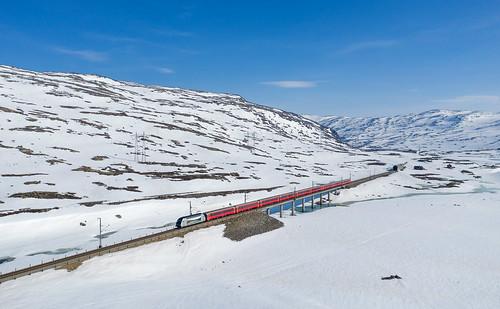 Late winter on the Hardangervidda