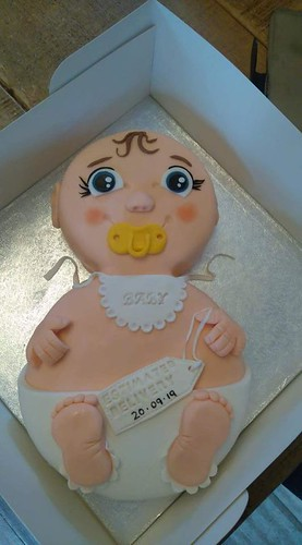 Baby Announcement Cake by Sally 'weston' Rogers of Cupcake Royale-Hoddesdon