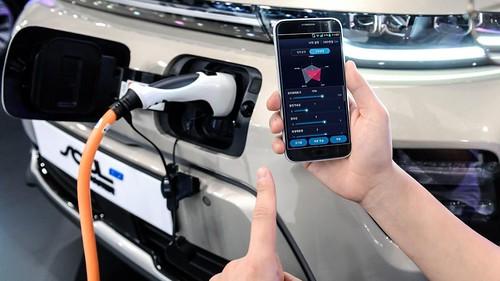 Hyundai quiere que hagas overclock de tu auto con tu teléfono https://t.co/HGFylJqoW0 https://t.co/01EYzrMqU9