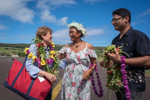 Ministra Valdés llega a Rapa Nui 05