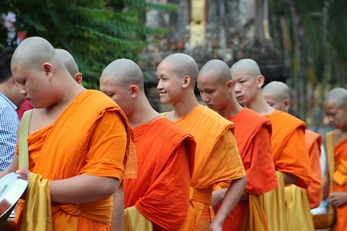 Van Ork Phansa monk procession boys smiling