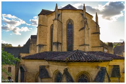 Arrière de la cathédrale Saint- Sacerdos.