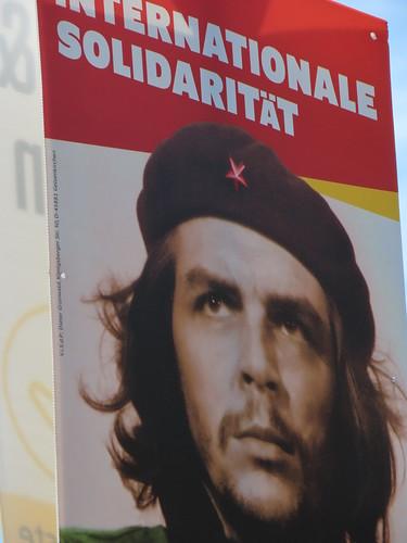 Europawahl - Solidarität -  Dieses Plakat wurde sehr hoch angebracht, da kommt keiner ran! aka 500 mm. 2019 05 17 11.45.08 _IMG_ 17.958