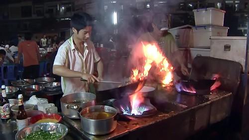 Cambodia - Phnom Penh - Night Market - Restaurant - 3