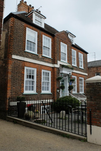 Mansion House: birthplace of Norman Angell