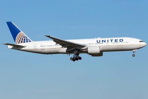 United Airlines B777-222(ER) N209UA