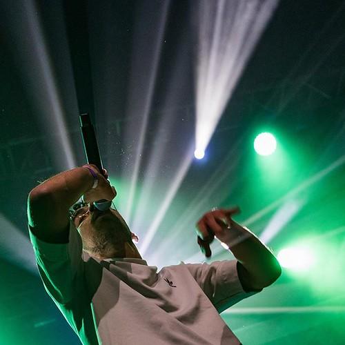 #chanje en #premierepartie de #youssoupha au #transbordeur de #lyon . . . . #igerslyon #igersfrance #igersmusic #onlylyon #concertphotography #livemusic #guitar #polaroidexperience #concert #hiphop #rap #rapfrancais #picoftheday #photooftheday #photoofthe