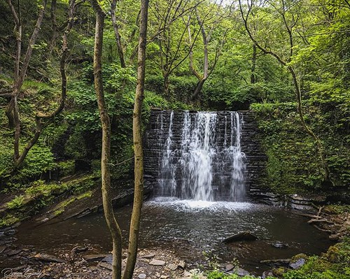 Ashworth waterfall - Naden brook, Rochdale #waterfall #water #rochdale #outdoors #nature #photography #photographerfocus #landscapehunter #landscapephotography #waterfallsofinstagram #instatravel #ukshots