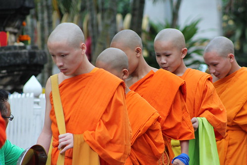 Van Ork Phansa monk procession boys