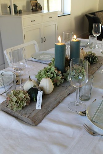 Love this look for a Thanksgiving or a fall dinner gathering. Green always says …