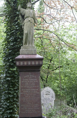 Family grave of Sarah Harrison