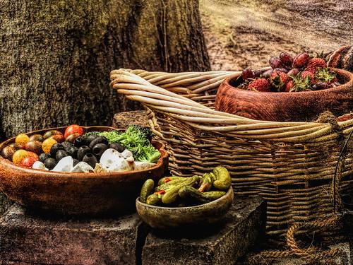 Garnished in Wooden Bowls