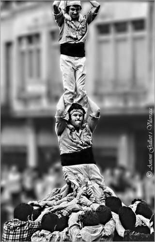 Caurà el pilar dels Castellers. (Festa Major Vilafranca del Penedès - Catalunya).