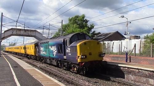 37038 TnT 37218 1Q80 Mossend to Mossend at Carluke