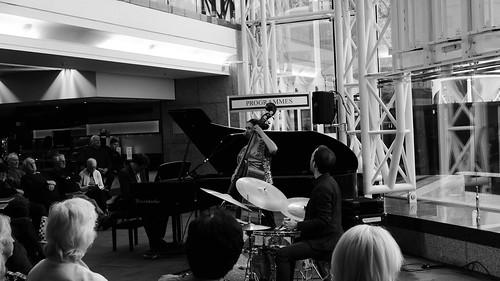 Katie Thiroux Trio. Jazzlines. 26 April '19. P2370371