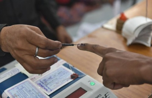 voting on top leaders seats in third phase of Lok Sabha Election