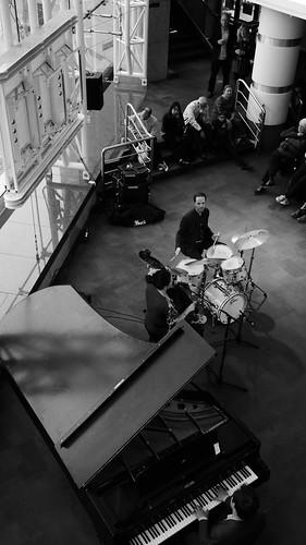 Katie Thiroux Trio. Jazzlines. 26 April '19. P2370323