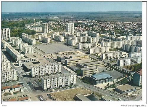 16 Soyaux-cite-HLM-du-Champ-de- Manoeuvre